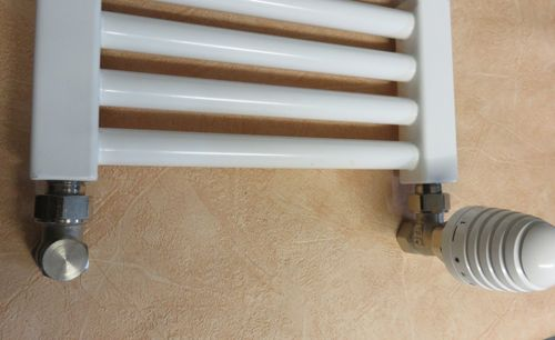 badshop123 bad renovierung heizk rper austausch badheizk rper towelwarmer bad heizk rper. Black Bedroom Furniture Sets. Home Design Ideas